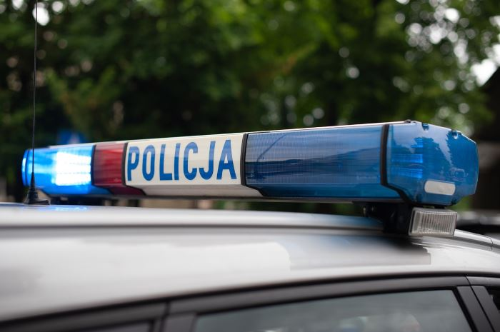 """Policja Ruda Śląska: Kryminalni z Rudy Śląskiej zatrzymali 4 mężczyzn oszukujących seniorów metodą na """"policjanta"""""""