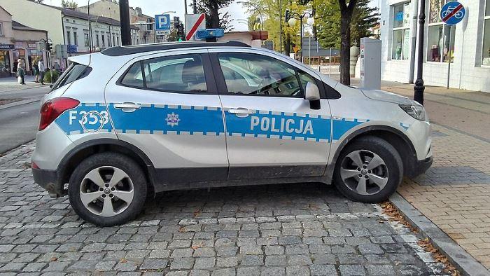Policja Ruda Śląska: Policjanci z rudzkiej komendy prowadzą cykl spotkań z uczniami podstawówek